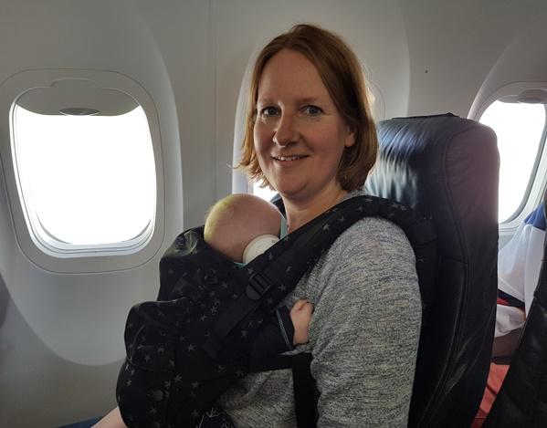 baby draagzak vliegtuig