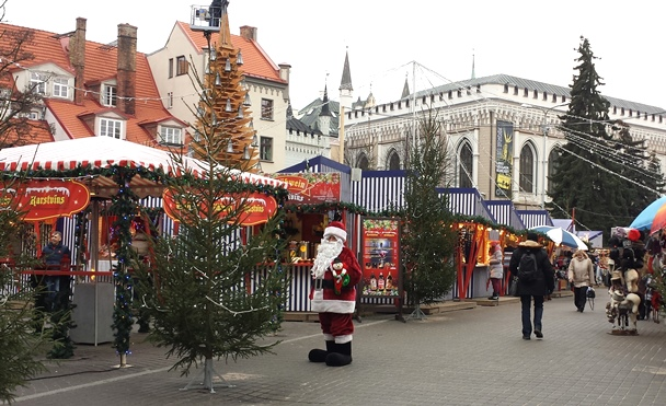 Kerstmarkt Livu Laukums
