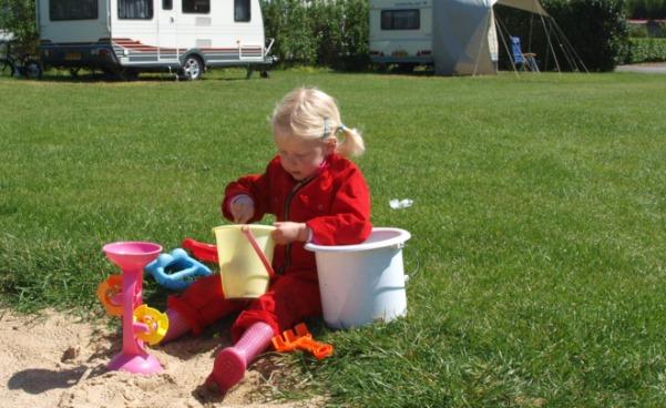 speelgoed zandbak camping