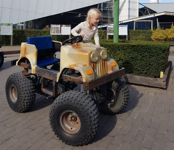 Dinoland jeeps