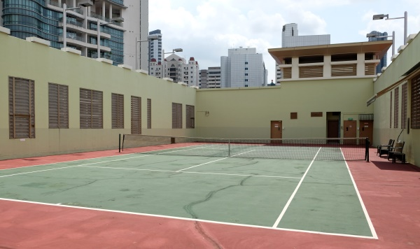Treetops apartments Singapore tennis