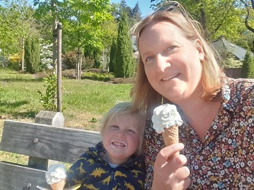 ijsje eten Holterberg