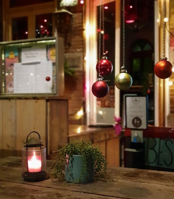 Lichtjeswandeling Deventer kerstbomen