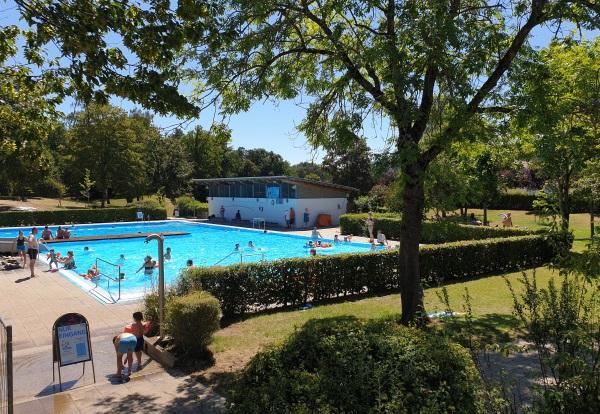 zwembad glijbaan camping Orsingen