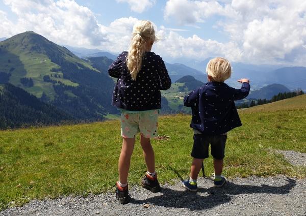 wandelschoenen kind bergen